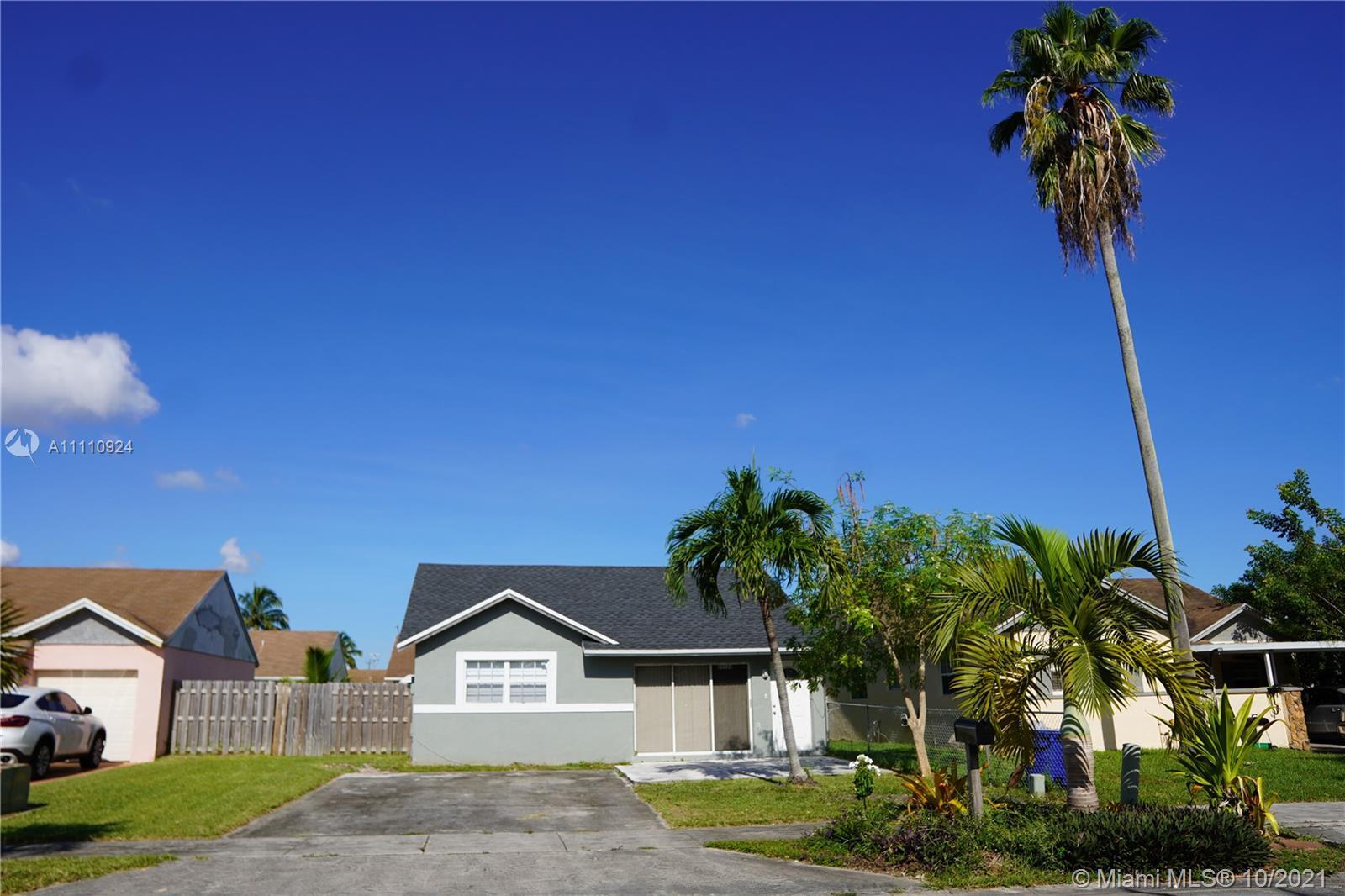 Single Family Home,For Sale,20320 NW 35th Ave, Miami Gardens, Florida 33056,Brickell,realty,broker,condos near me