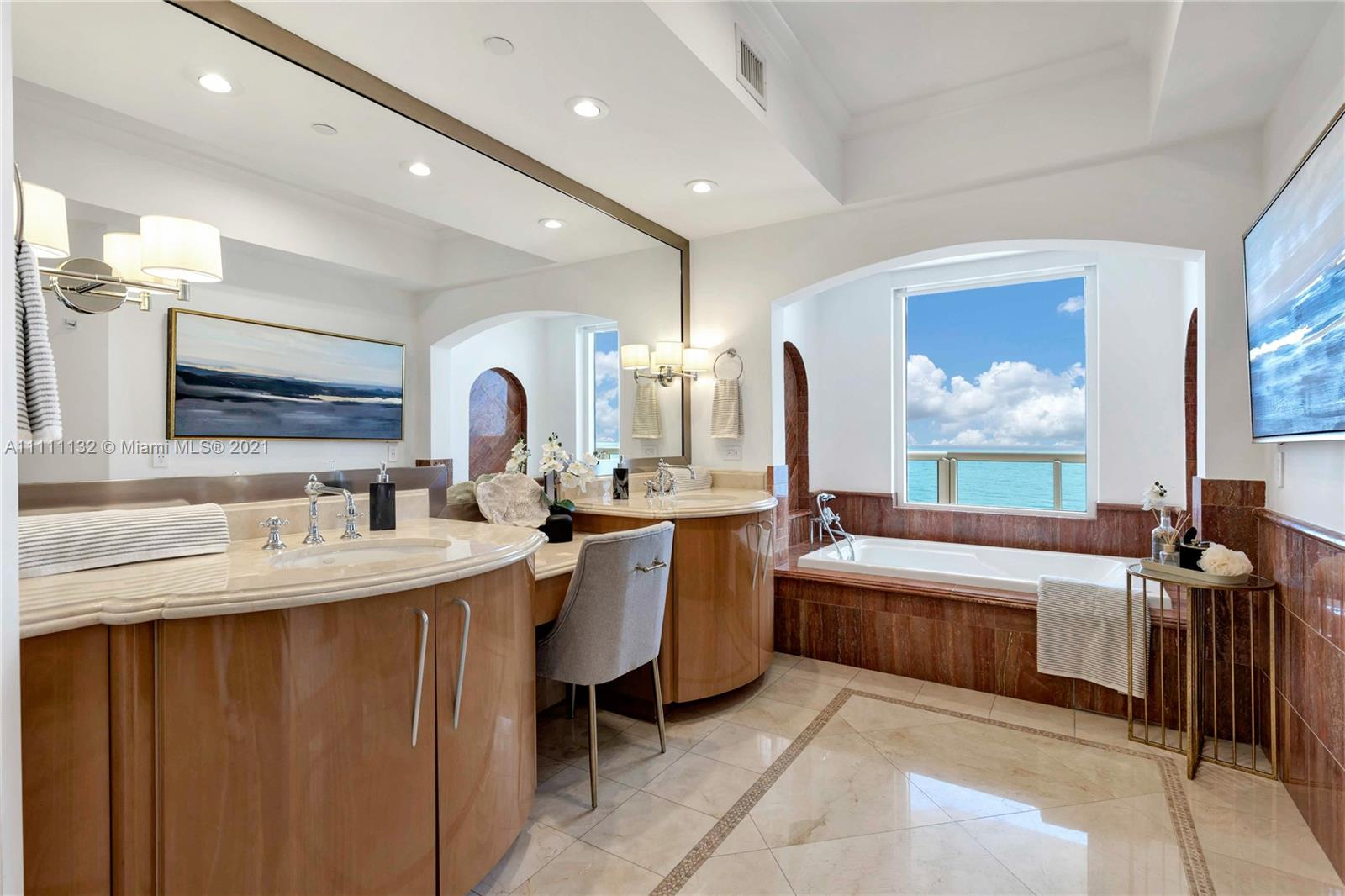 17875 Collins Ave #901 photo06