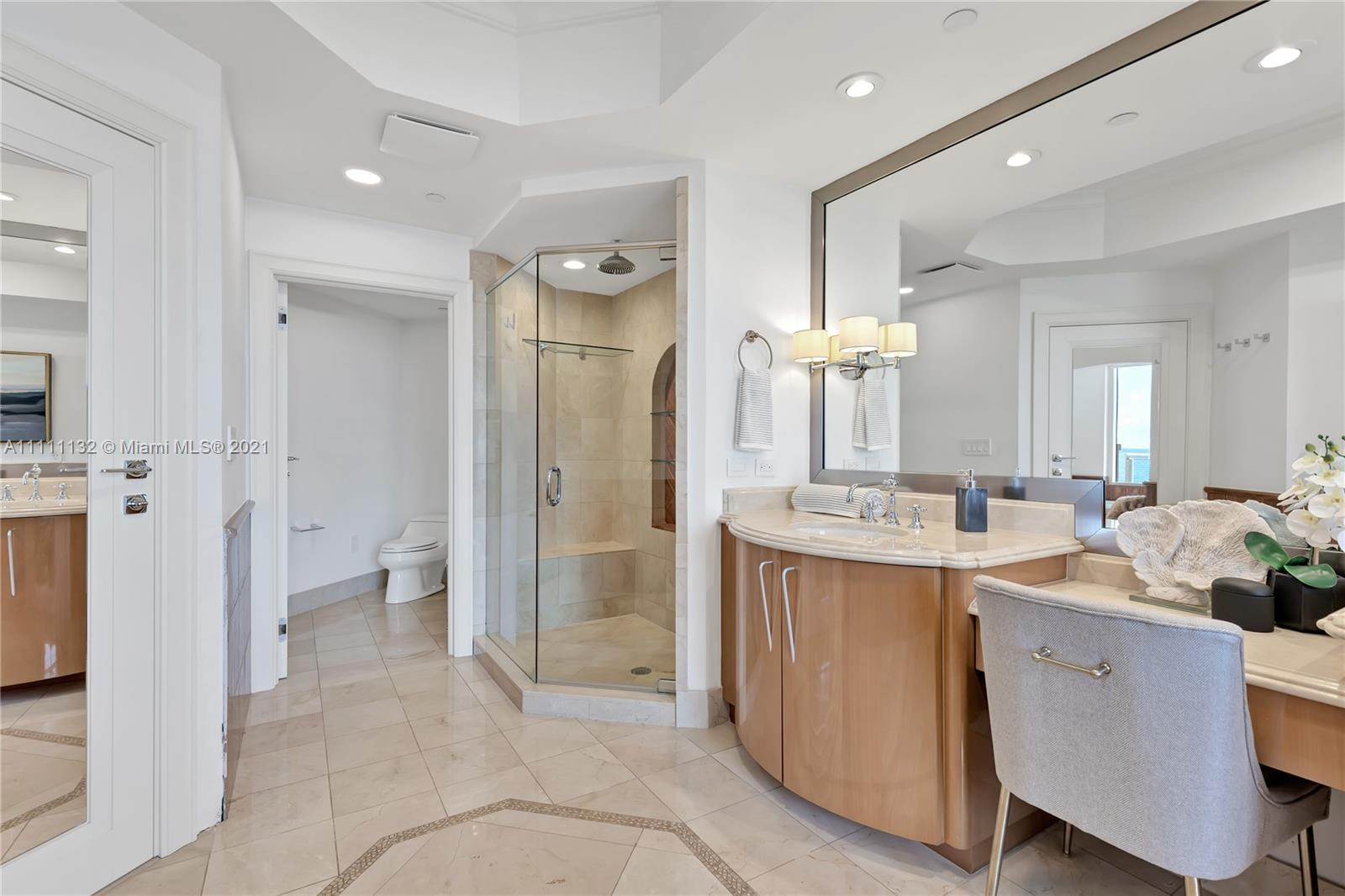 17875 Collins Ave #901 photo07