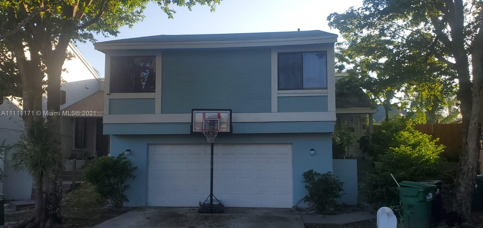 Single Family Home,For Sale,21734 SW 99th Ct, Cutler Bay, Florida 33190,Brickell,realty,broker,condos near me