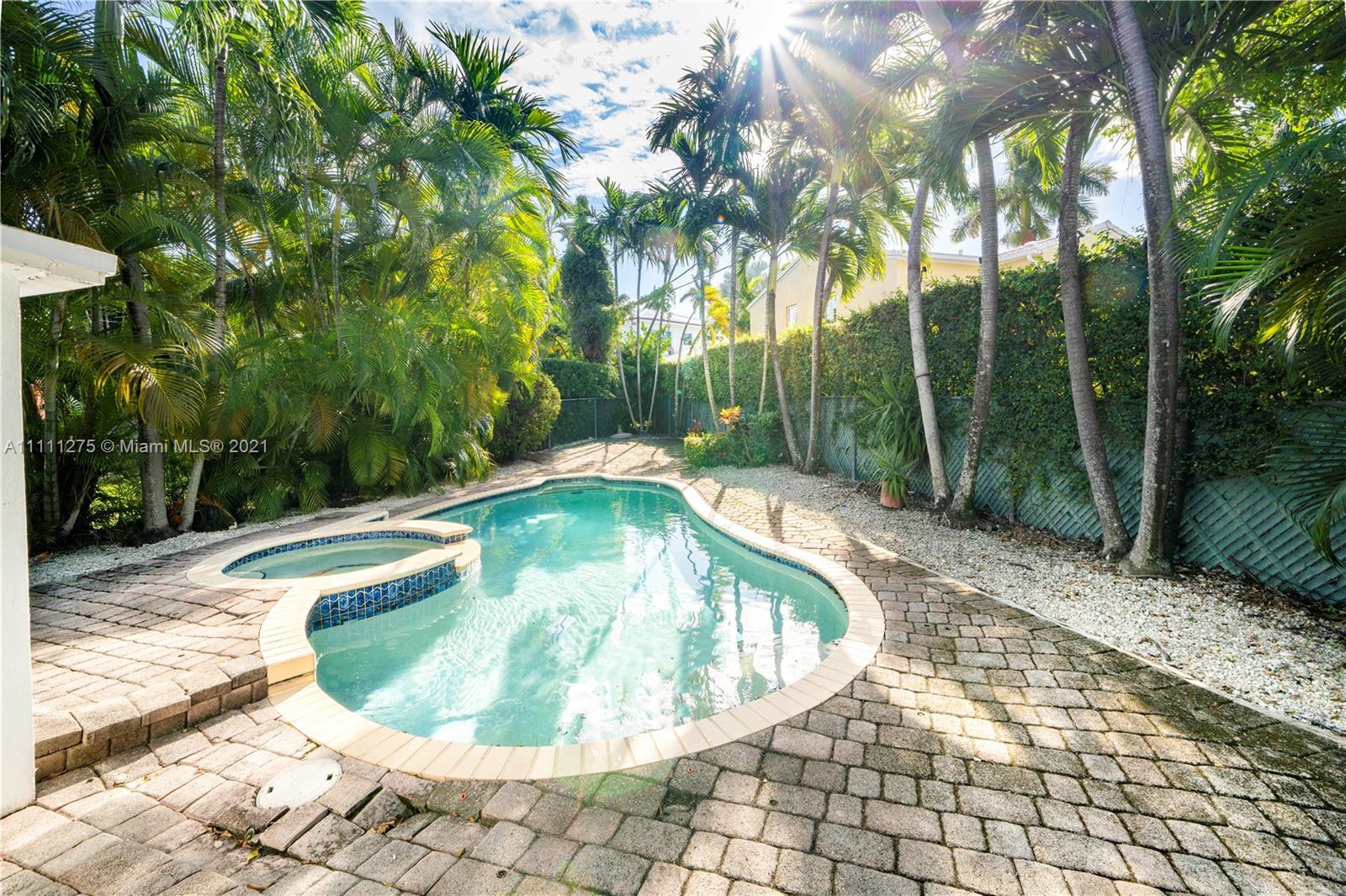 La Gorce Golf - 6211 Alton Rd, Miami Beach, FL 33140