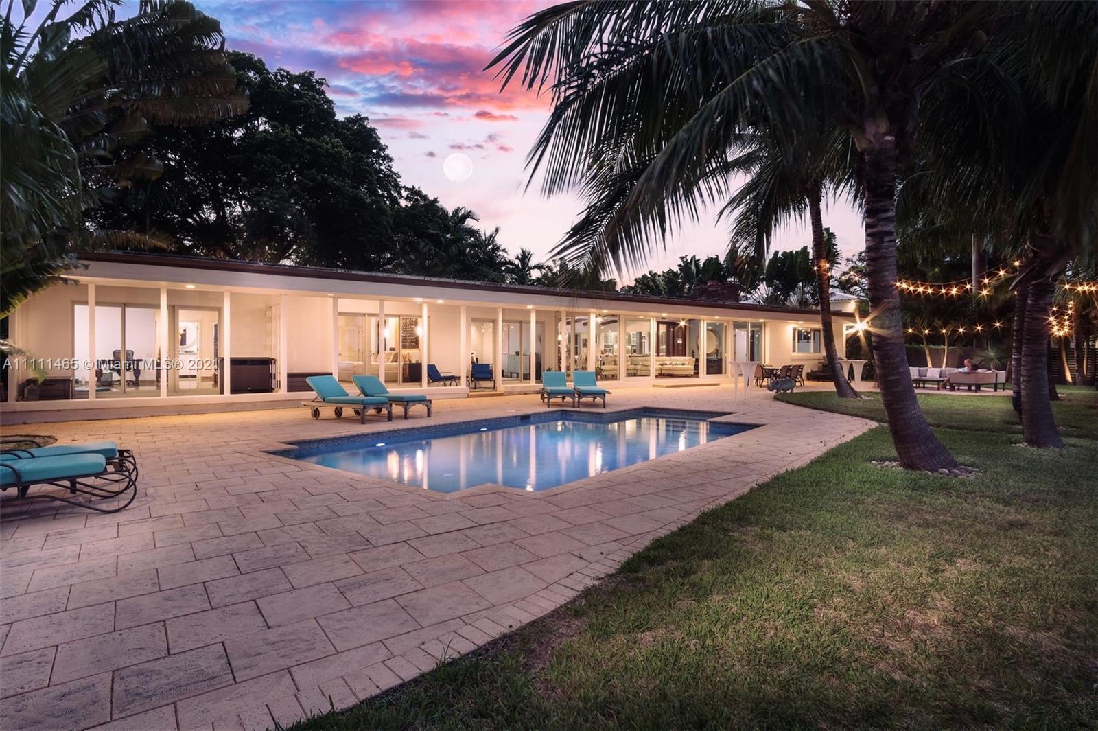 Single Family Home For Sale GORDON TR4,004 Sqft