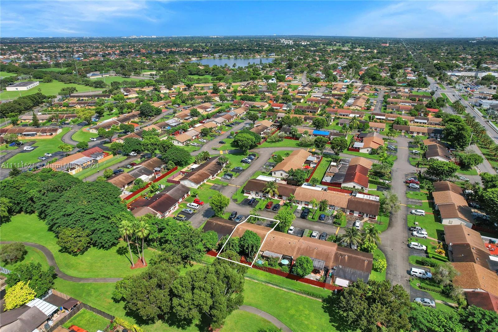 Condo For Sale at WESTWIND LAKES TOWNHOUSES,Westwind Lakes