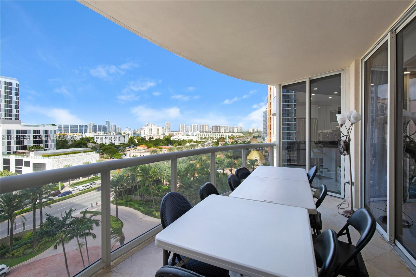 17555 Collins Ave #905 photo022
