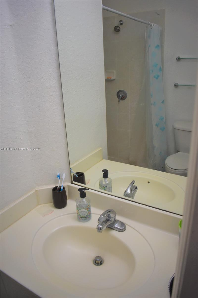 8150 NW 114th Pl #8150 photo026