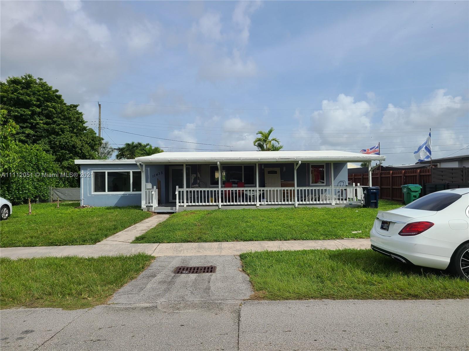 Single Family Home,For Sale,11435 SW 43rd Ter, Miami, Florida 33165,Brickell,realty,broker,condos near me