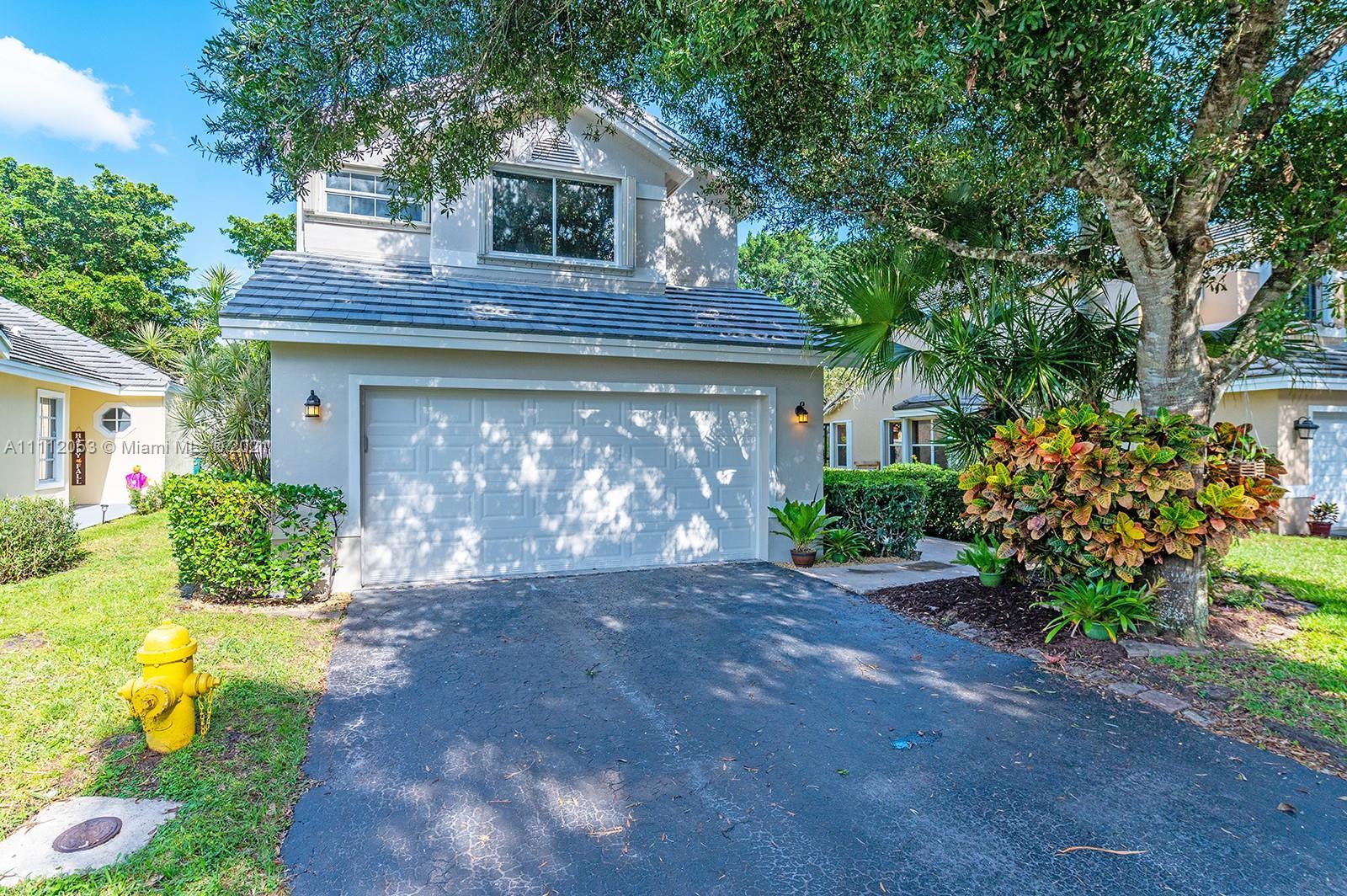 Forest Ridge - 2974 Myrtle Oak Cir, Davie, FL 33328