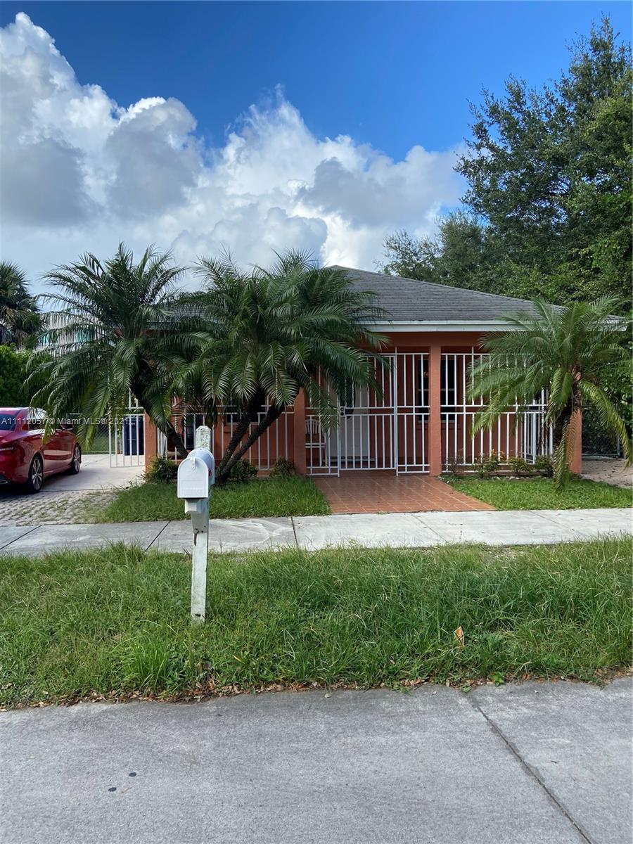 Single Family Home,For Sale,13011 SW 242nd Ter, Homestead, Florida 33032,Brickell,realty,broker,condos near me