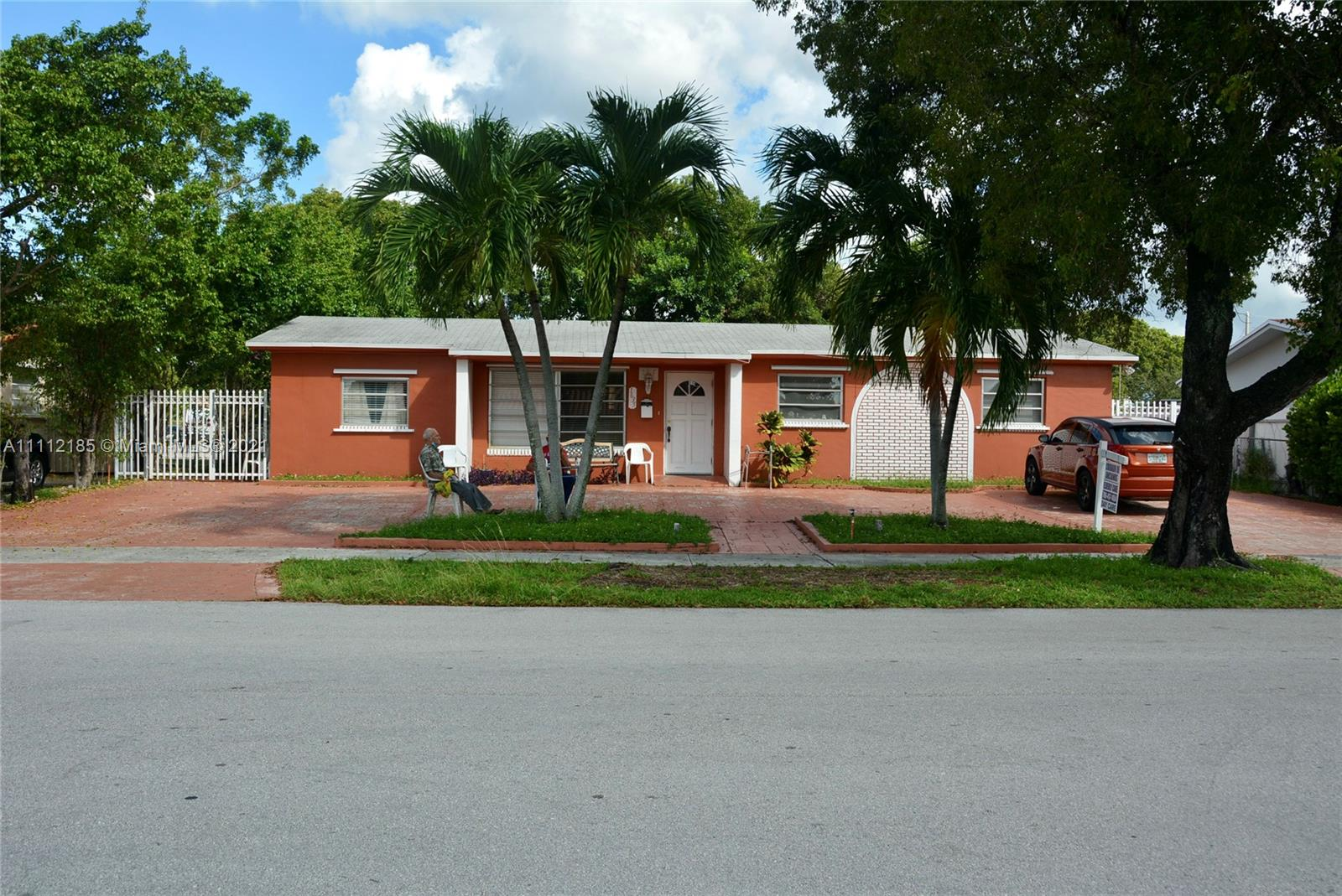 Single Family Home,For Sale,1635 W 65th St, Hialeah, Florida 33012,Brickell,realty,broker,condos near me