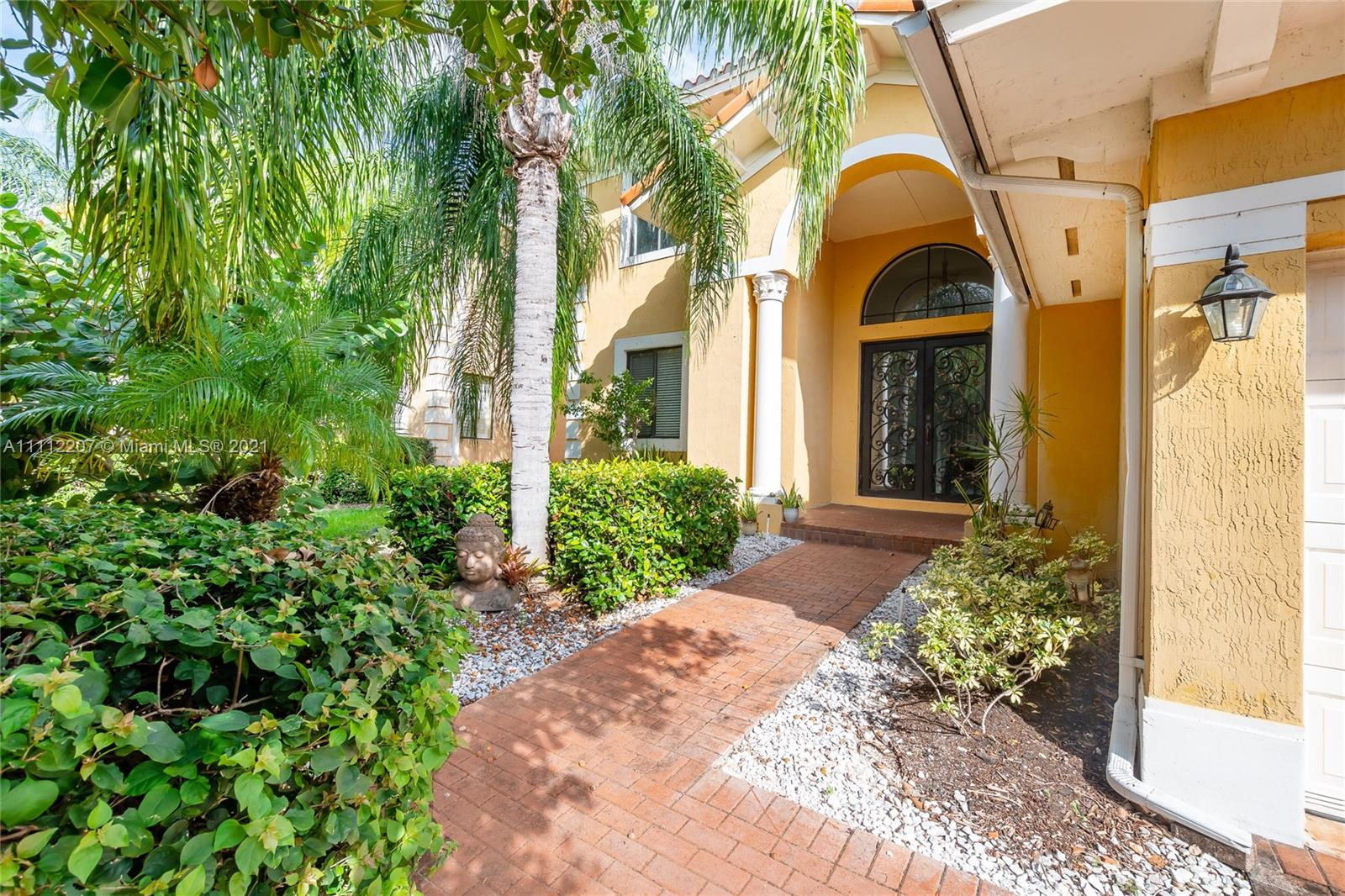 Single Family Home For Rent CUTLER CAY3,945 Sqft