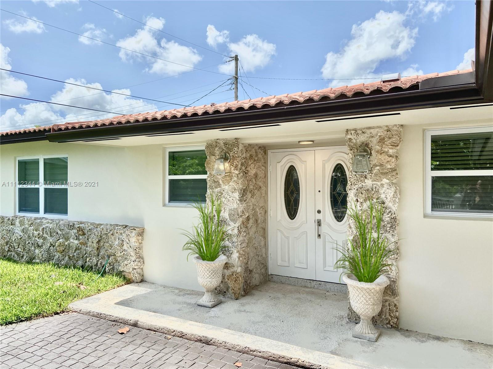 Single Family Home,For Rent,4400 SW 89th Ave, Miami, Florida 33165,Brickell,realty,broker,condos near me