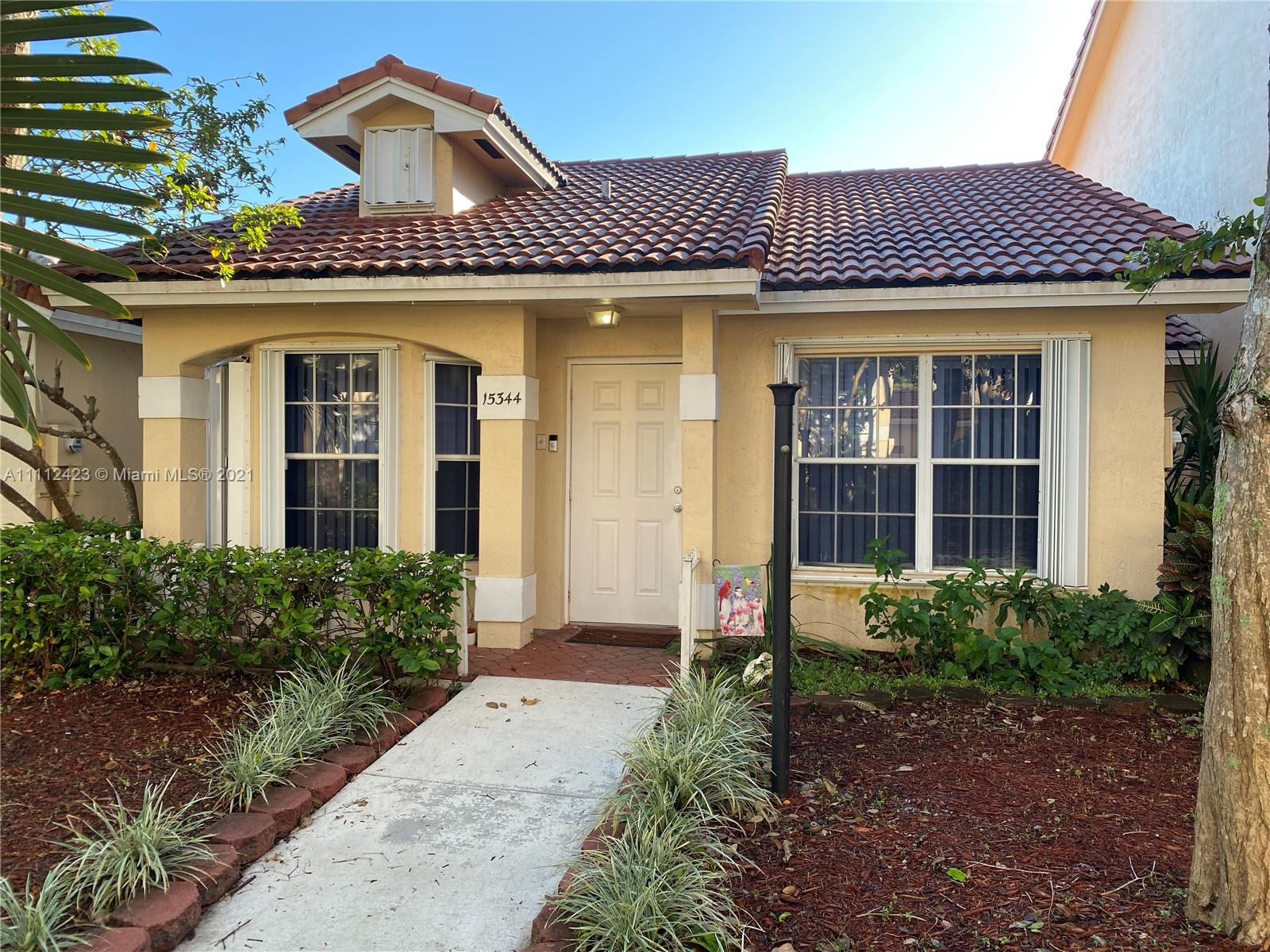 Home For Rent at 848 Sqft