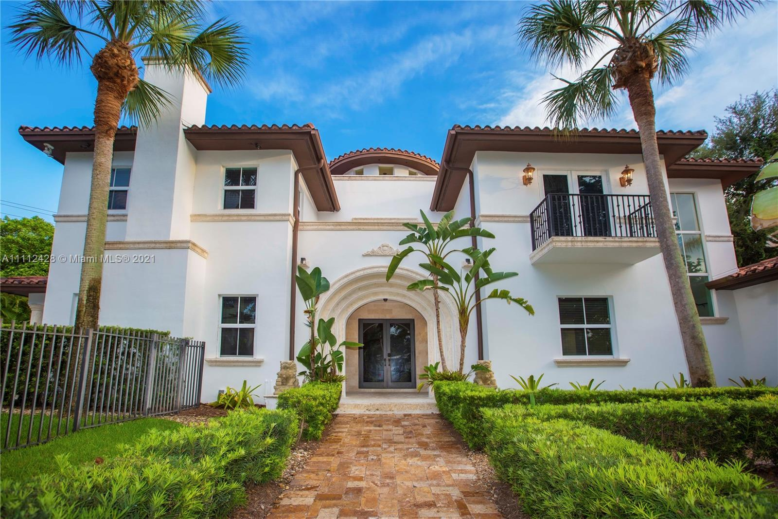 Single Family Home,For Sale,500 Santurce Ave, Coral Gables, Florida 33143,Brickell,realty,broker,condos near me