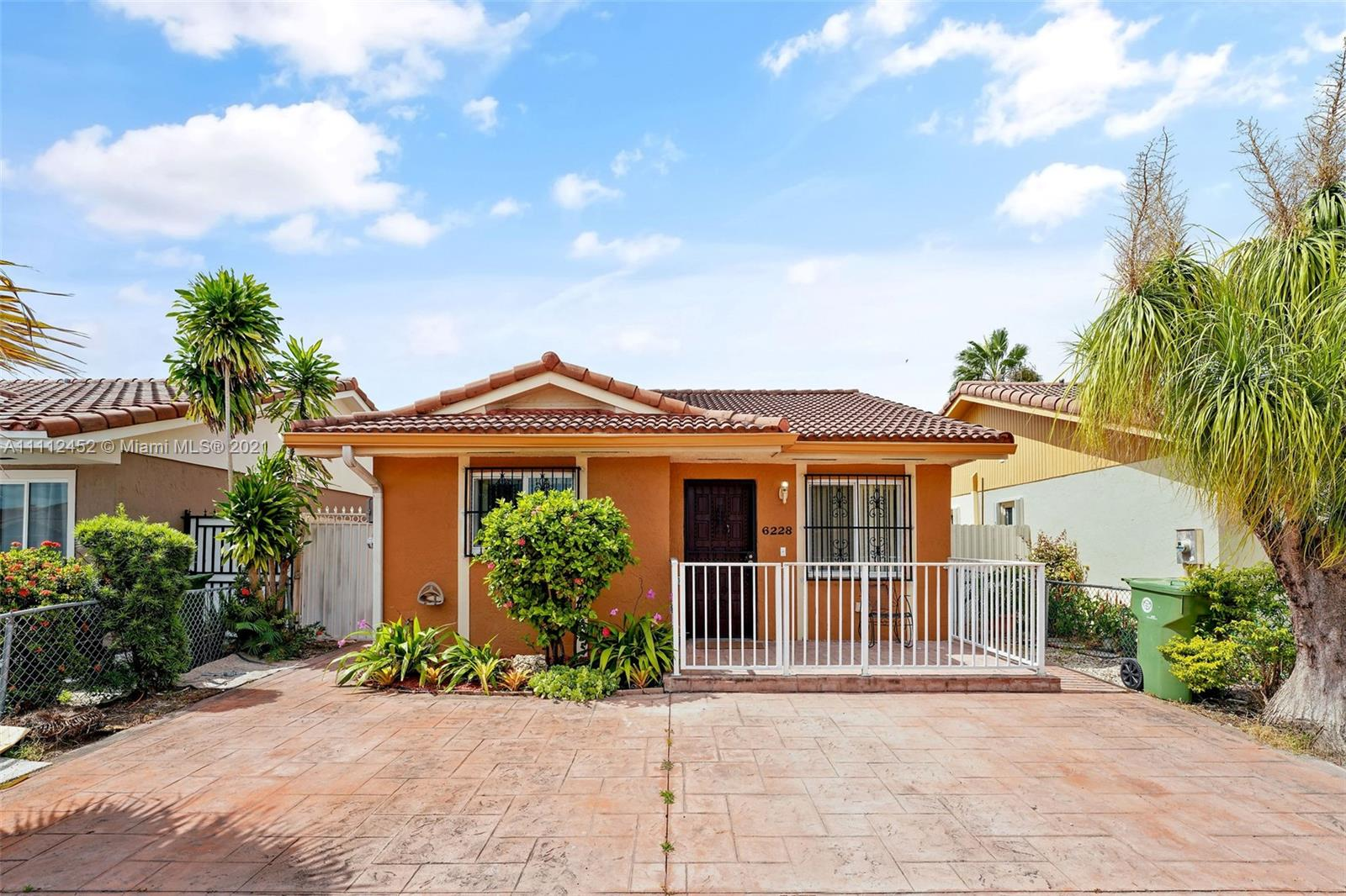 Single Family Home For Sale 2ND ADDN TO BARACOA1,274 Sqft
