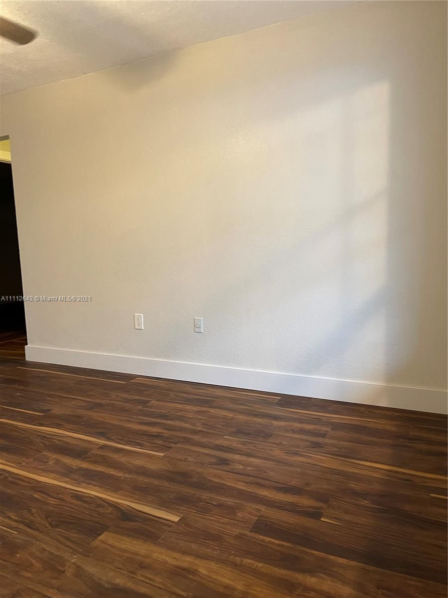 Home For Rent at 1,550 Sqft