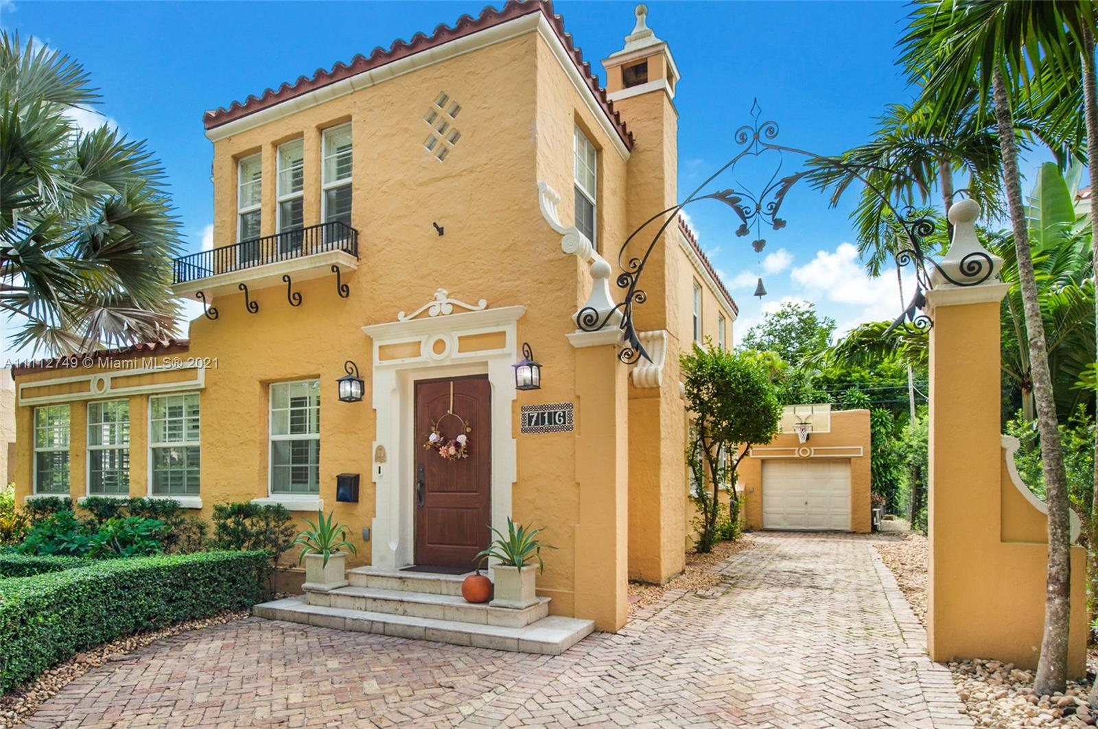 Single Family Home,For Sale,716 Navarre Ave, Coral Gables, Florida 33134,Brickell,realty,broker,condos near me
