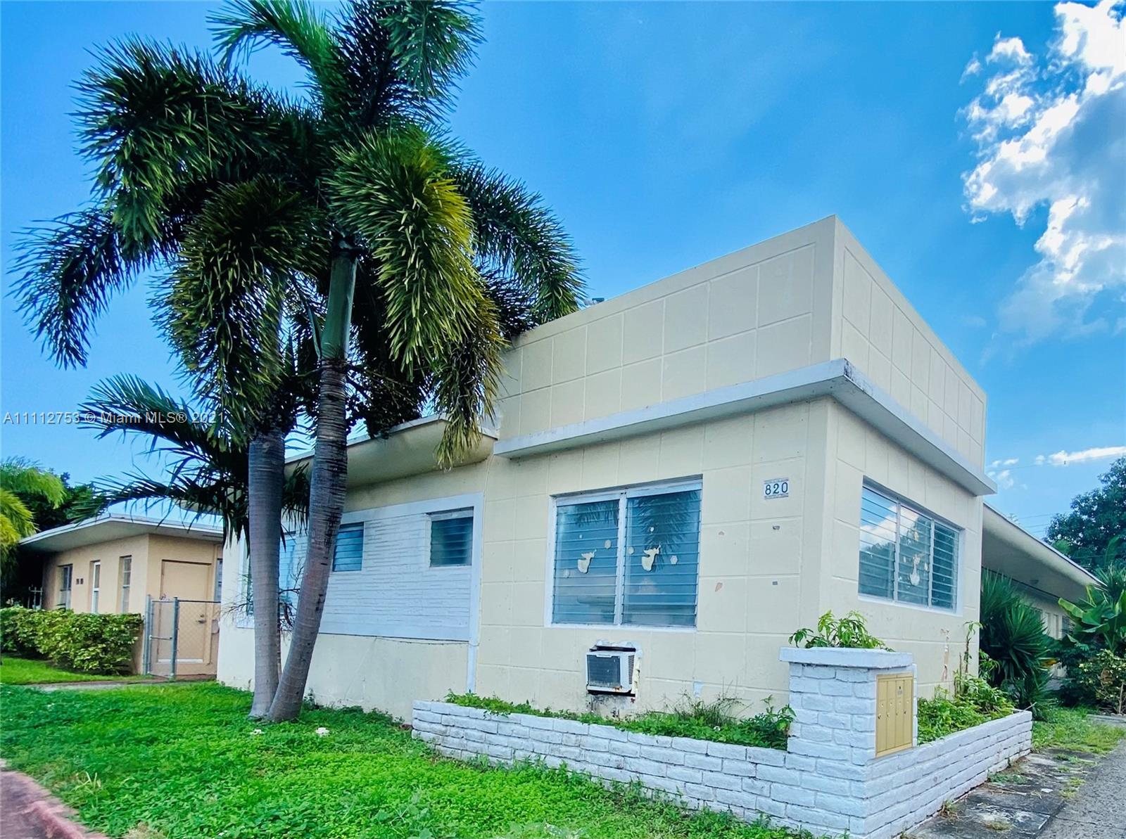 Residential Income For Sale at 820 Miami Beach