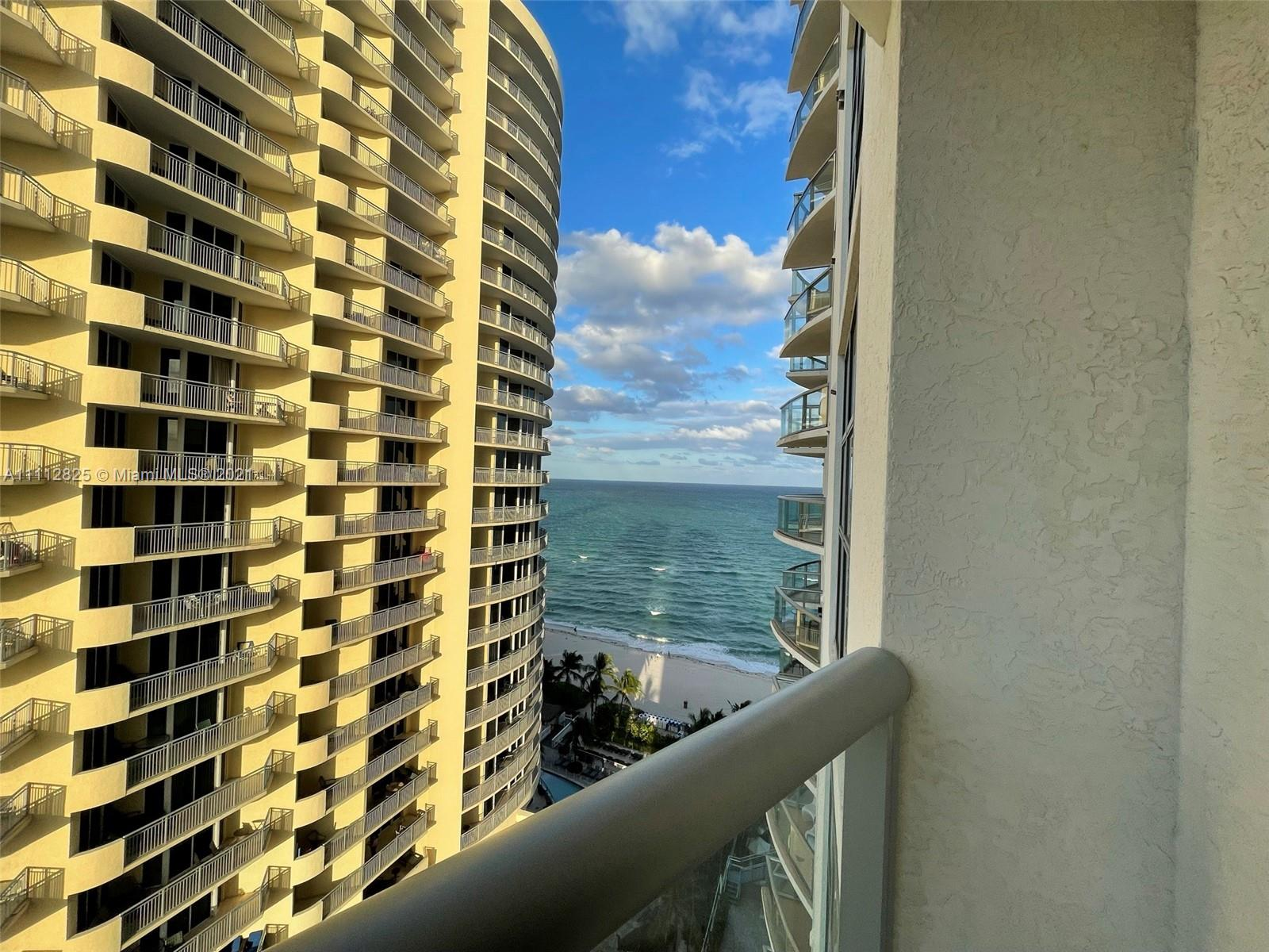 17315 Collins Ave #1507 photo03
