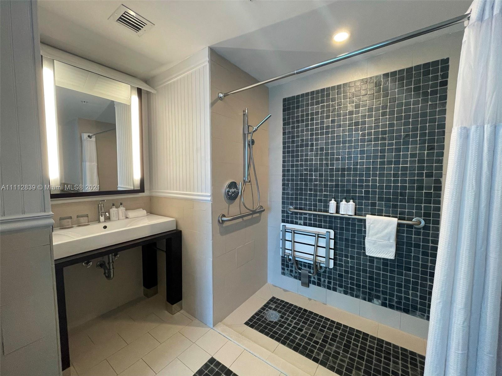 17315 Collins Ave #1705 photo025