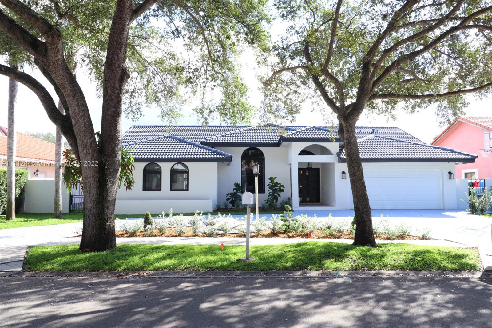 Single Family Home,For Sale,8012 NW 164th Ter, Miami Lakes, Florida 33016,Brickell,realty,broker,condos near me