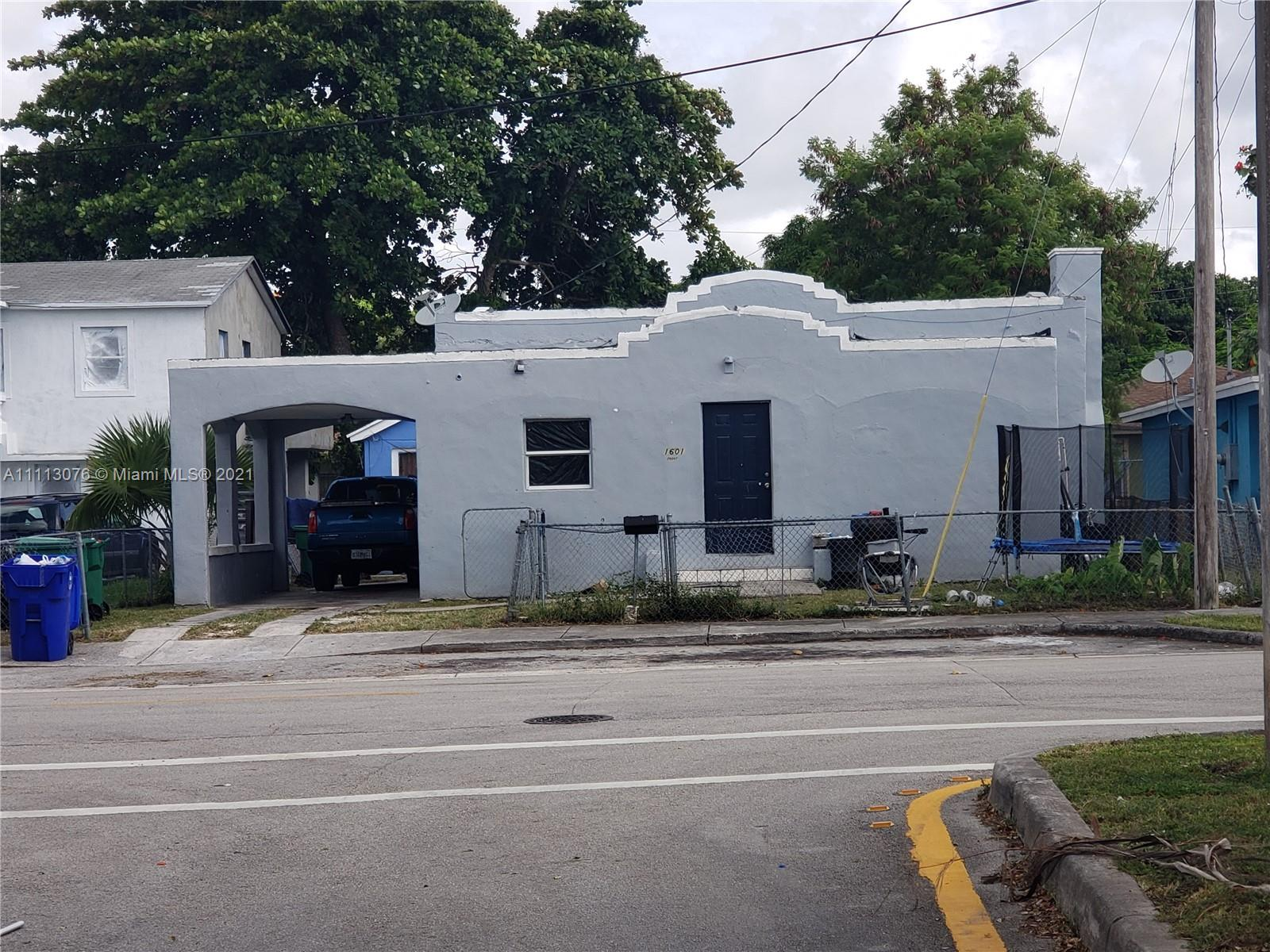 Residential Income For Sale at 1601 Miami