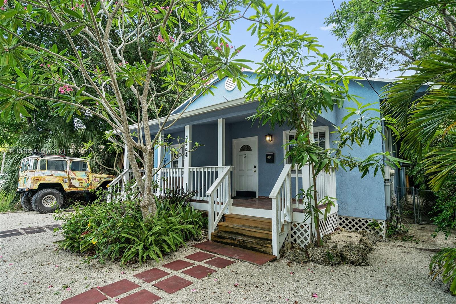 3564 SW Franklin Ave #1