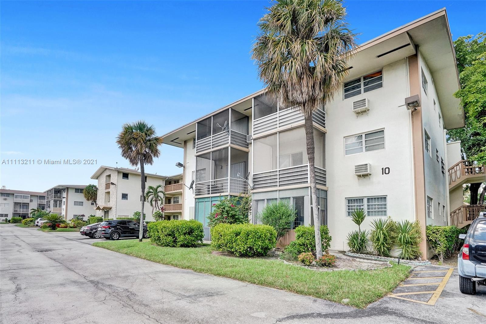 1395 NE 167th St #211, Miami, Florida 33162, 1 Bedroom Bedrooms, ,1 BathroomBathrooms,Residential,For Sale,167th St,A11113211