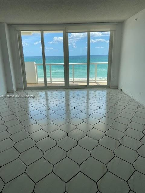 5601 Collins Ave #701 photo03