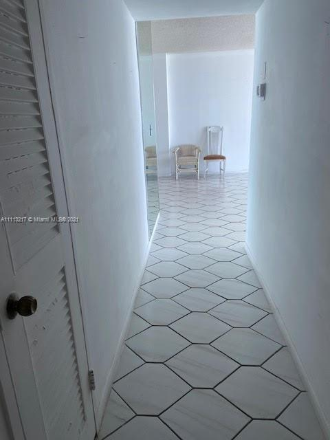 5601 Collins Ave #701 photo09