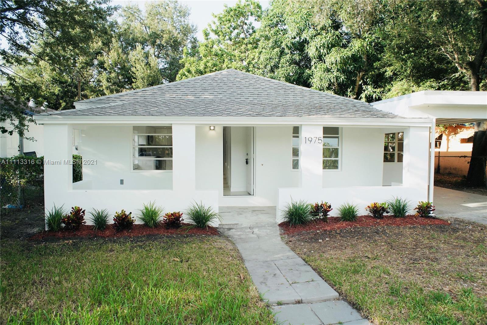 Single Family Home For Sale 1ST ADDN TO MAGNOLIA SUB1,022 Sqft