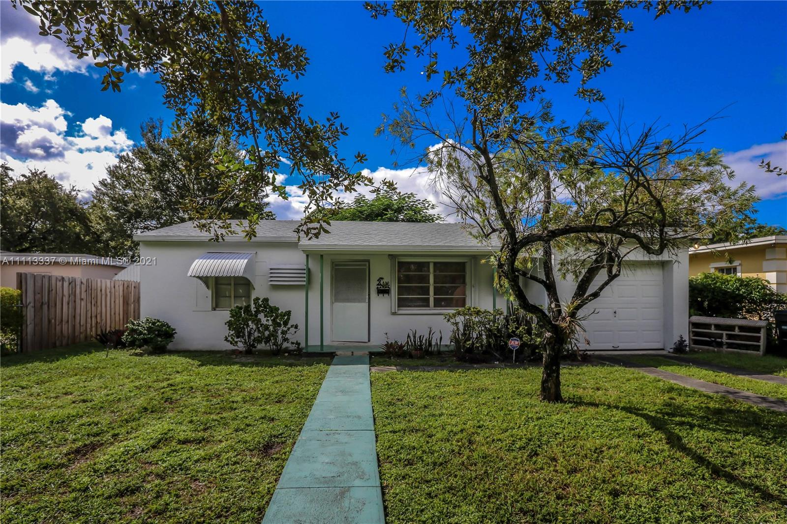 Single Family Home,For Rent,830 NW 126th St #-, North Miami, Florida 33168,Brickell,realty,broker,condos near me