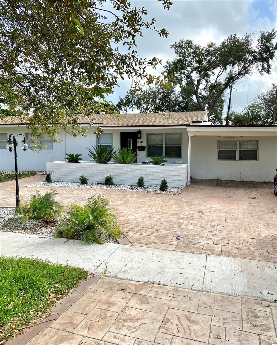 North Miami Beach - 1880 NE 154th St, North Miami Beach, FL 33162
