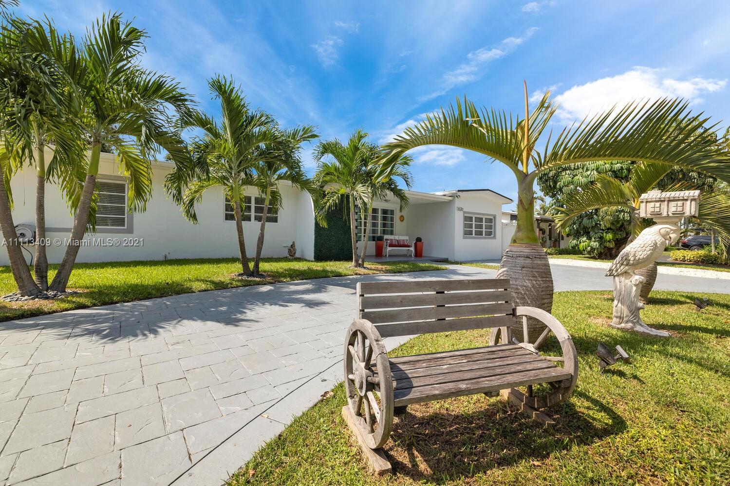 Single Family Home,For Sale,5520 SW 95th Ct, Miami, Florida 33165,Brickell,realty,broker,condos near me
