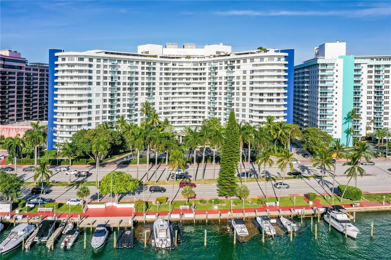 5151 Collins Ave #526
