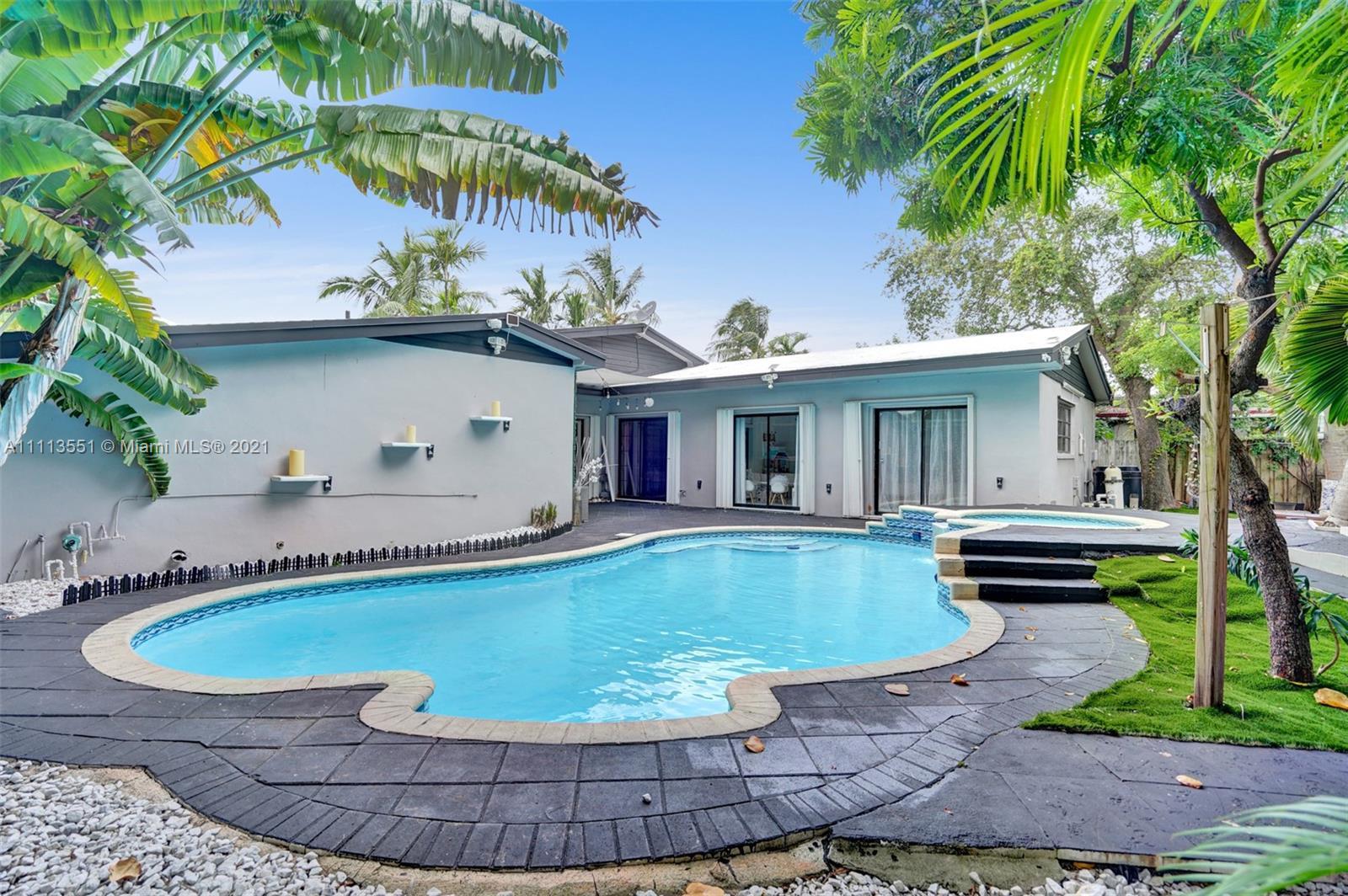 Single Family Home,For Sale,550 NE 180th Dr, North Miami Beach, Florida 33162,Brickell,realty,broker,condos near me