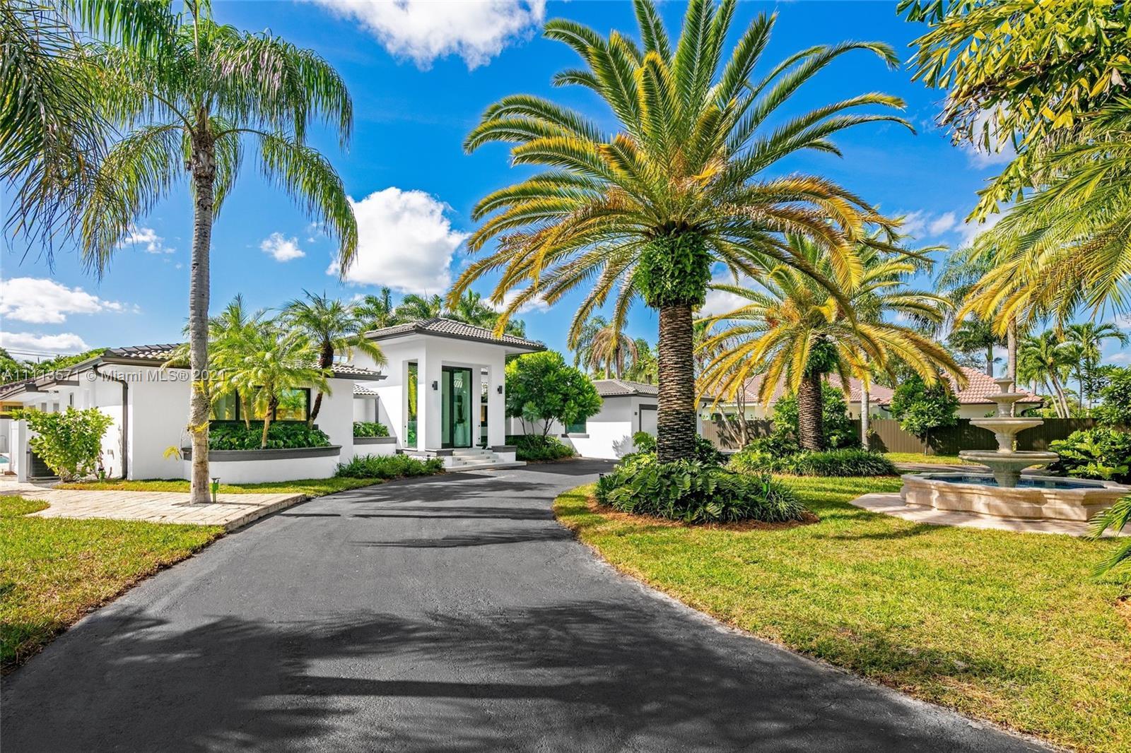 Single Family Home For Sale SALVADOR ESTATES3,518 Sqft