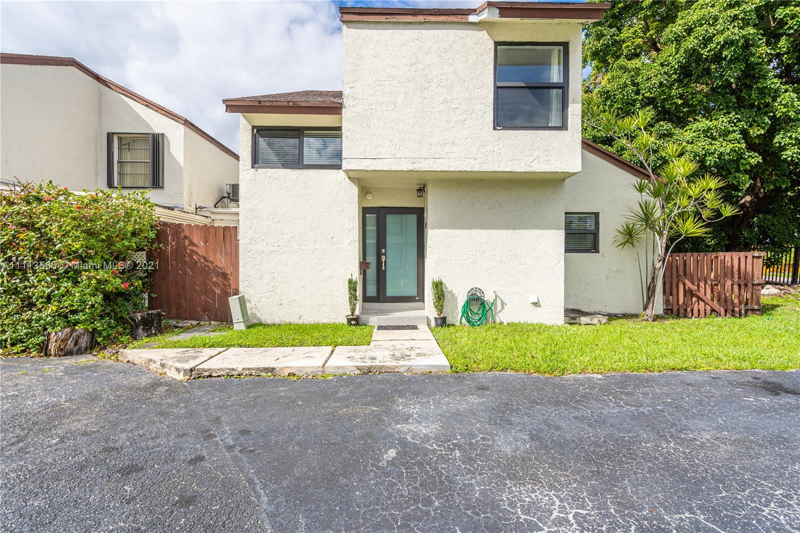 627 NW 97th Pl #627 photo01