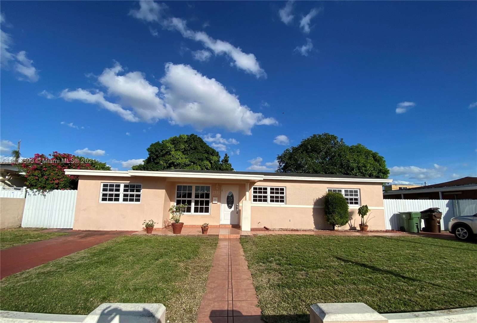 Single Family Home For Sale BINGS TERMINALS 1ST ADDN1,390 Sqft