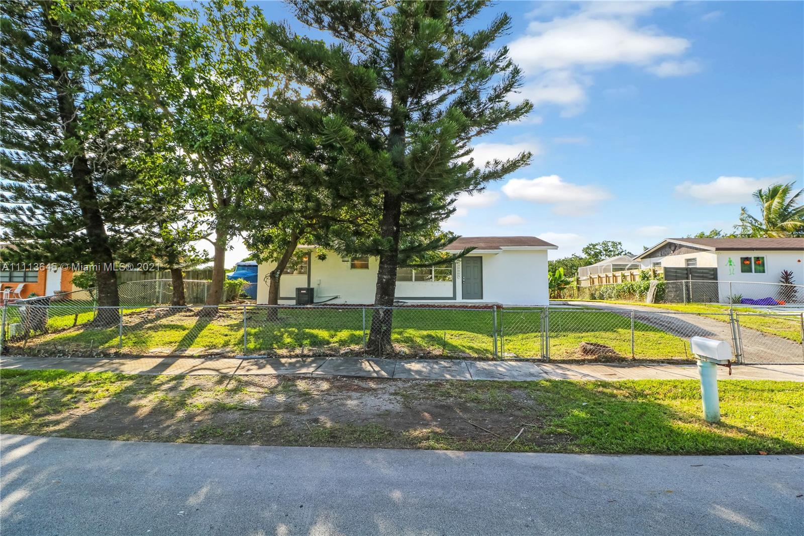 Single Family Home For Sale GEM HOMES NO THREE1,012 Sqft