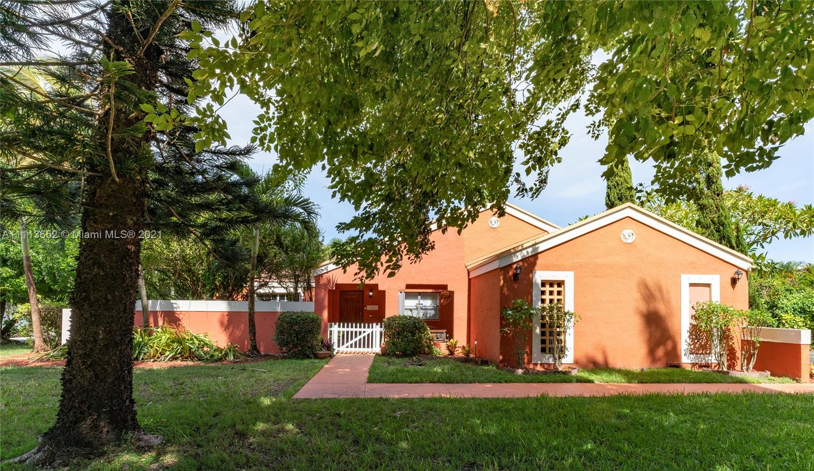 Single Family Home,For Sale,15451 SW 160th St, Miami, Florida 33187,Brickell,realty,broker,condos near me