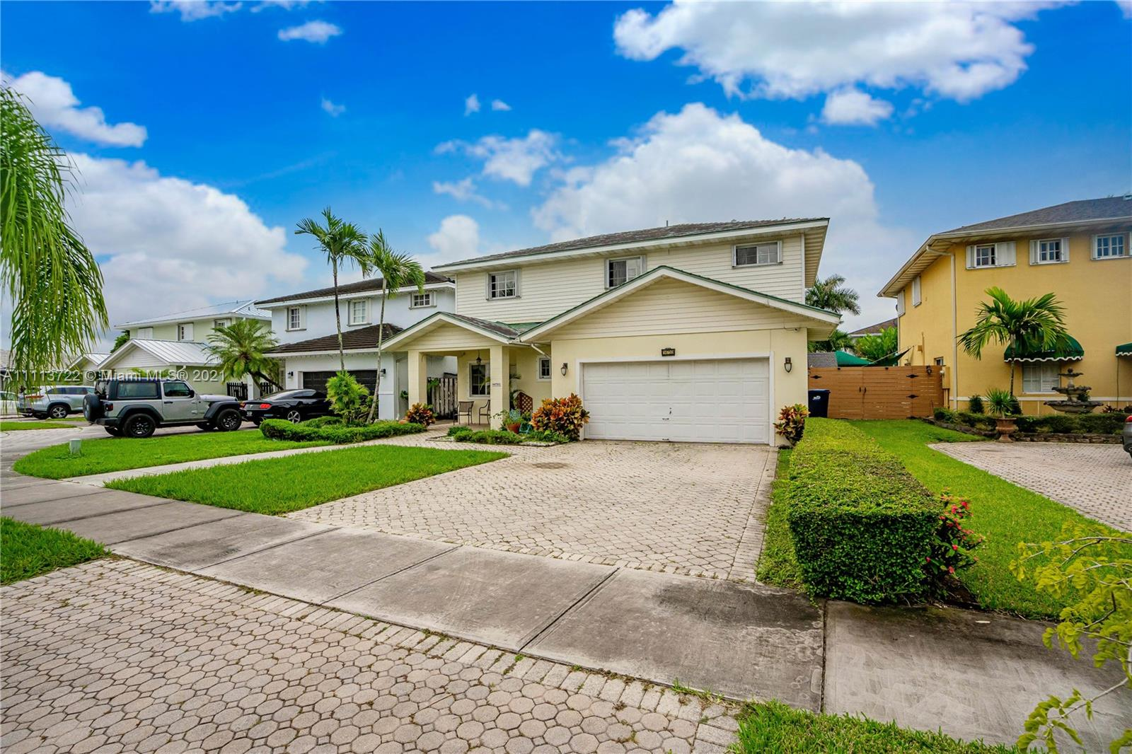 Single Family Home,For Sale,14750 SW 141st Ter, Miami, Florida 33196,Brickell,realty,broker,condos near me