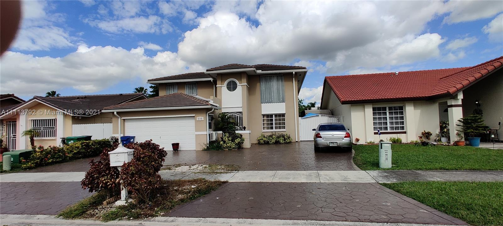 Single Family Home For Sale WEST MILLER HEIGHTS SEC 32,421 Sqft
