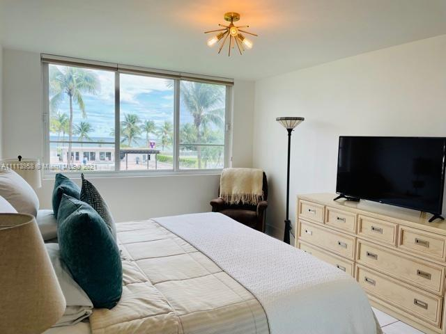 5005 Collins Ave #211 photo07