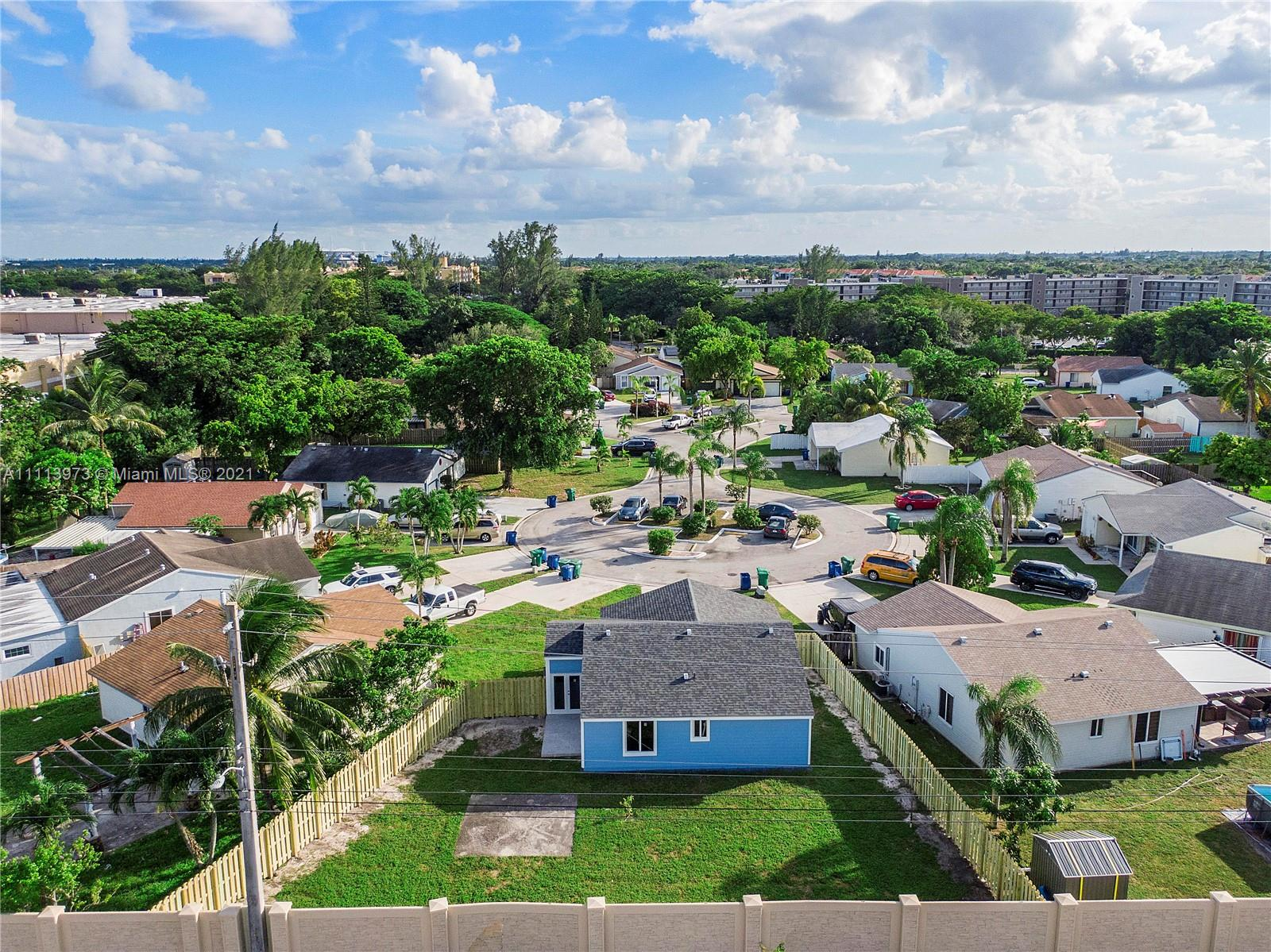 1700 SW 82nd Ter photo032
