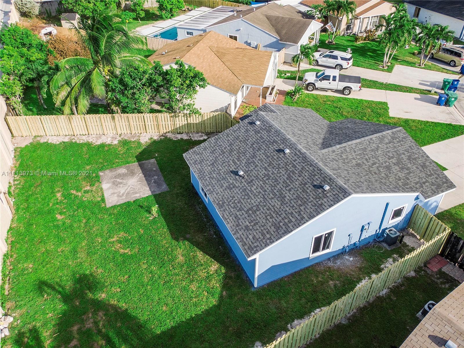 1700 SW 82nd Ter photo04