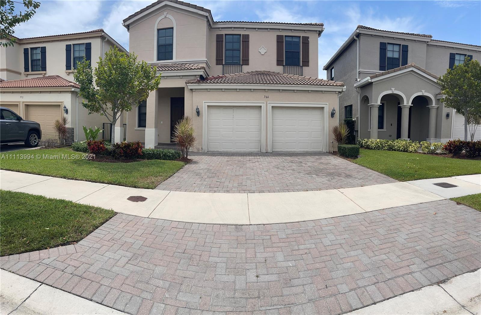 Single Family Home,For Rent,766 NE 191st St #766, Miami, Florida 33179,Brickell,realty,broker,condos near me