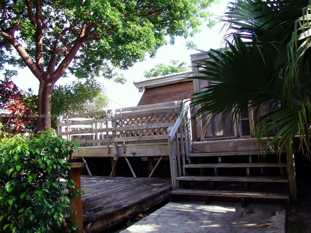 North Miami Beach - 1830 NE 157th Ter, North Miami Beach, FL 33162