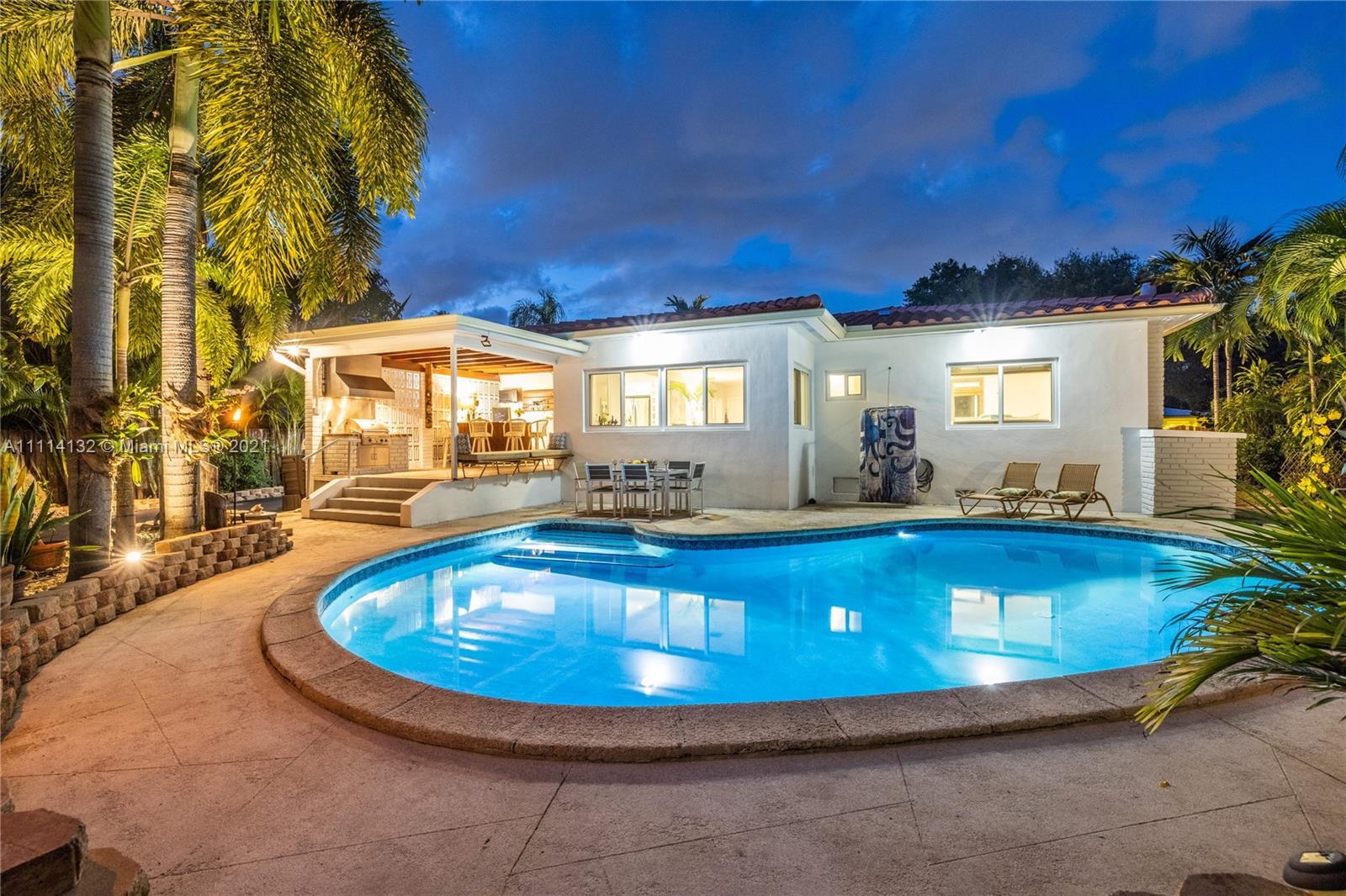 Single Family Home,For Sale,960 NE 92nd St, Miami Shores, Florida 33138,Brickell,realty,broker,condos near me