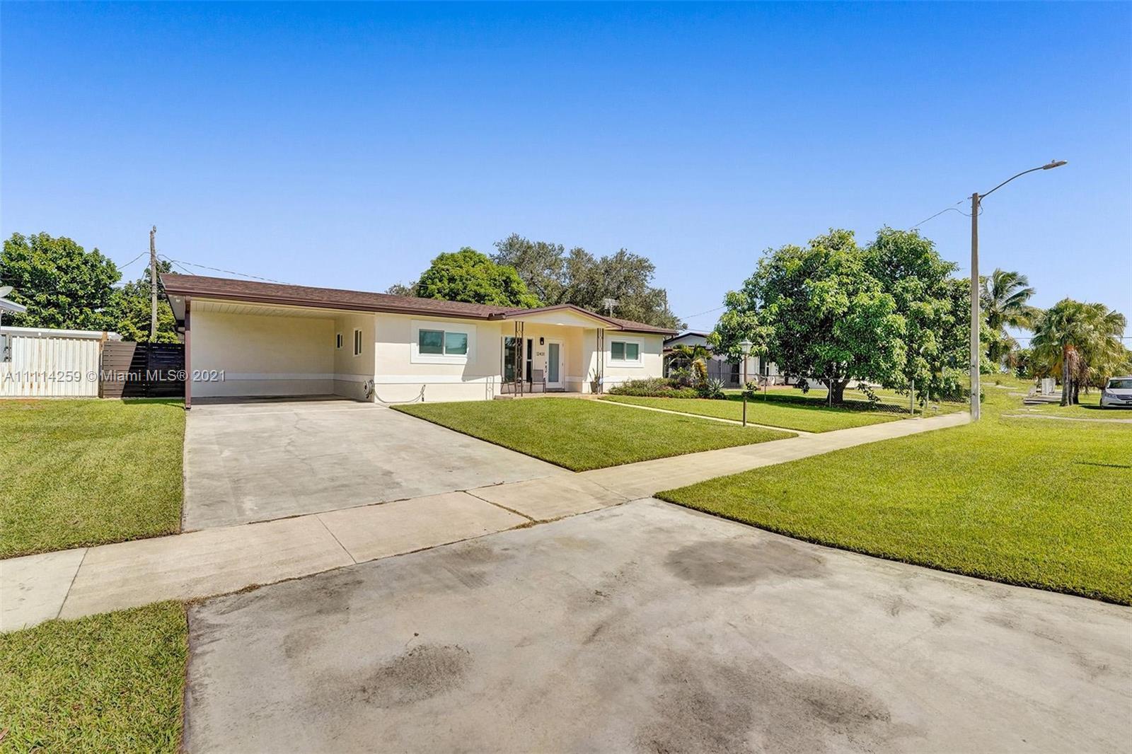 Single Family Home,For Sale,12431 SW 190th Ter, Miami, Florida 33177,Brickell,realty,broker,condos near me