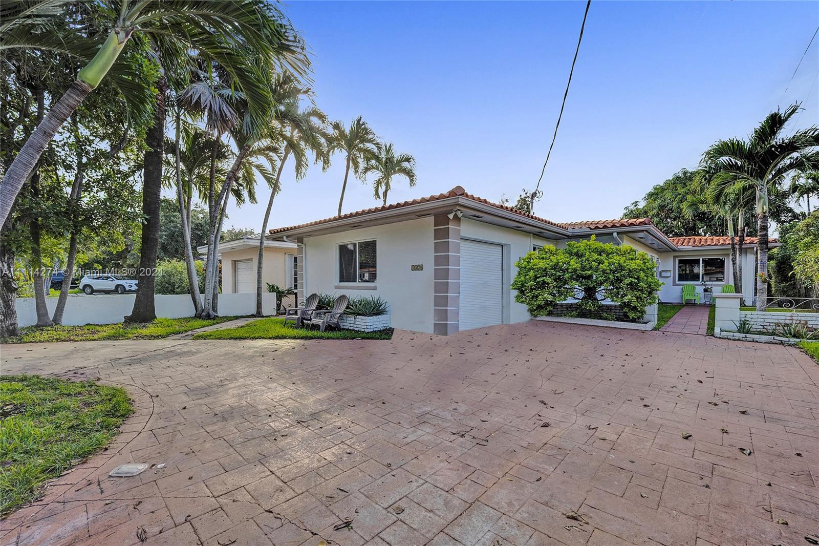 Single Family Home For Sale CORAL GABLES COUNTRY CLUB1,877 Sqft